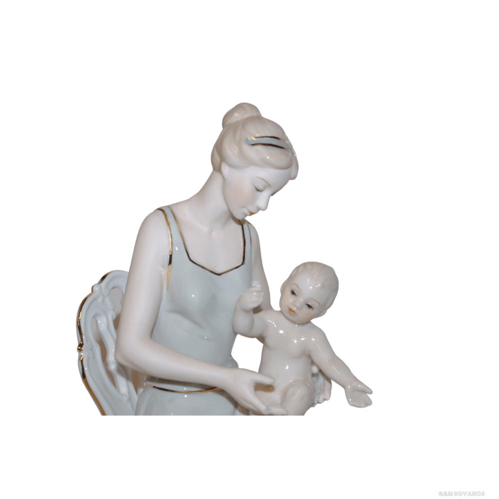 "Porcelianinė statula ""Mama"""