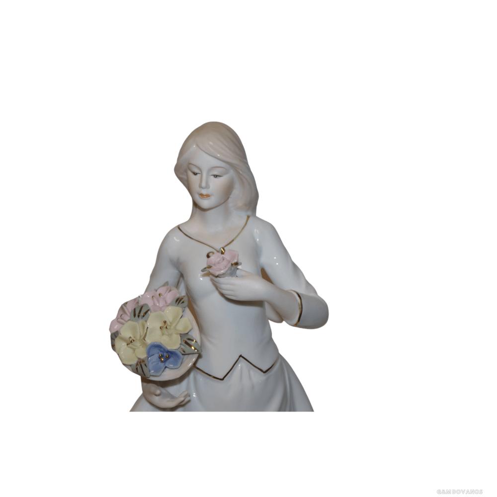 "Porcelianine statula ""Mergaitė"""